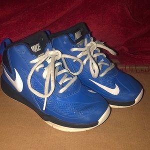 Nike team hustle DT